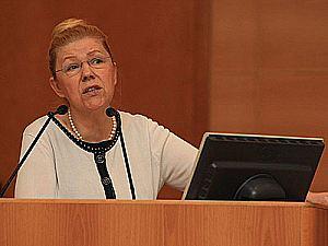 Глава комитета Госдумы по вопросам семьи, женщин и детей Елена Мизулина