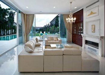 Вилла продается с мебелью Versace