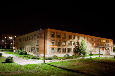 Здание школы будет выглядеть намного привлекательней за счет светодиодного освещения