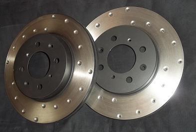 У дисковых тормозов много преимуществ