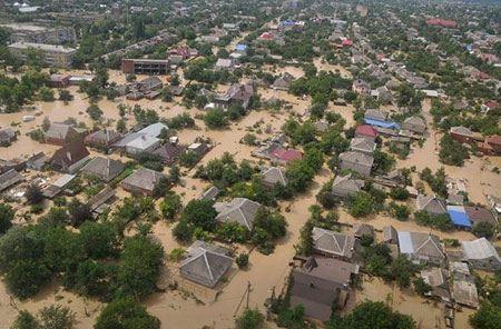 Фото: наводнение в городе Крымск Краснодарского края в 2012 году
