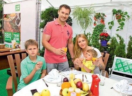 Gymnast Alexey Nemov with his wife Galina and children