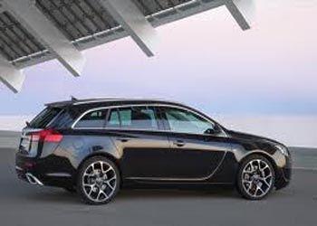 Opel засветил обновленный Insignia OPC Tourer до премьеры