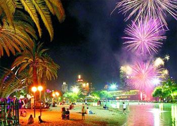 Эксперты назвали лучшие теплые страны для празднования Нового года