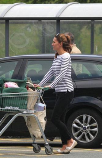 Герцогиня Кембриджская ходит за покупками
