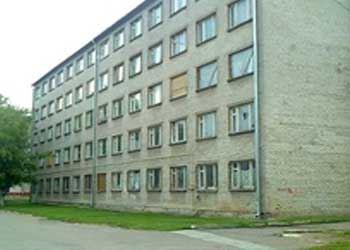 В Нарве вот уже в третий раз выставляют на торги бывшее общежитие