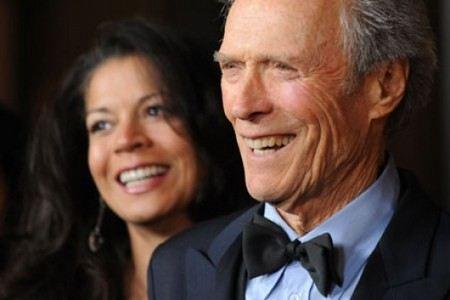 Клиент Иствуд развелся с женой и закрутил роман с женщиной, которая младше его на 30 лет.