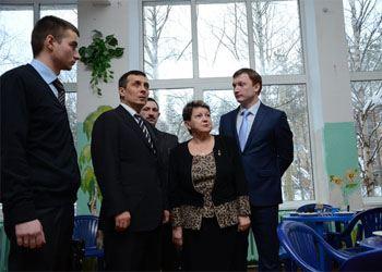 В Красногорске школа открыла учебный год с новыми окнами