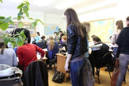 Студенты теперь могут пользоваться библиотекой дома