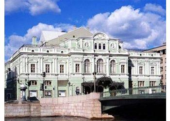 Жители Санкт-Петербурга просят не уничтожать Аракчеевские казармы