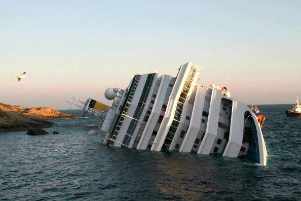 Фото: лайнер Коста Конкордия