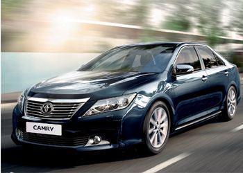 Российские дилеры уже получили первые варианты обновленного седана Toyota Camry