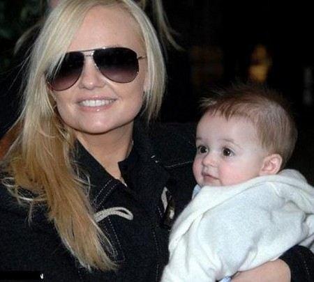 Фото эммы бантон с ребенком