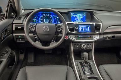 Салон Honda Accord Hybrid