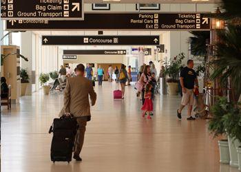 Уже аэропорт во Флориде возобновил работу