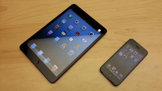 Обычный iPad Mini и iPhone 5
