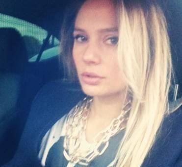 На фото в блоге актриса выглядит утомленной