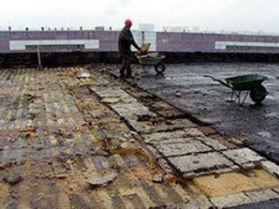 Ремонт крыш в Смоленске проводится, но медленно