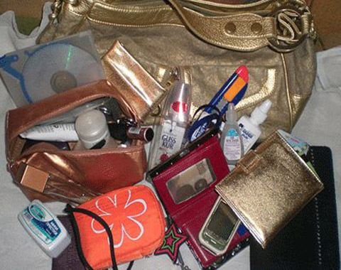 Если же в вашей сумке полная противоположность порядку, то вы человек, скорее всего поверхностный