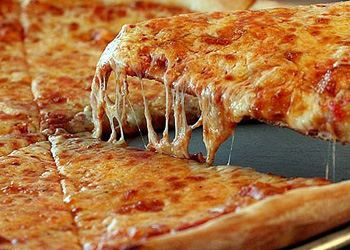 Чаще всего на дом заказывают пиццу