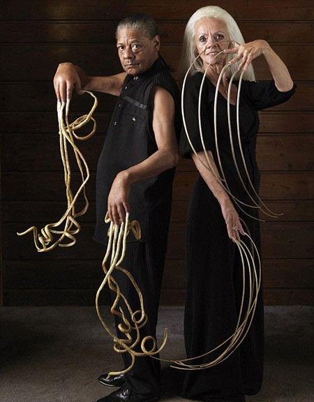 Самые длинные ногти в мире у мужчины и женщины