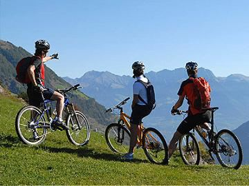 Велосипедисты и в горах чувствуют себя прекрасно