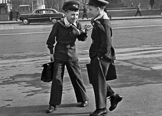 Советские школьнике в форме