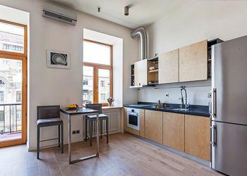 Киевские дизайнеры представили необычную квартиру для молодых