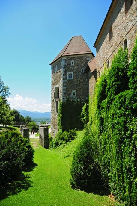 Старинные замки Словении особенно привлекательны для туристов