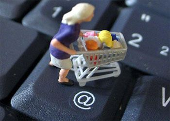 Более трети жителей Амурской области совершают покупки в Интернете