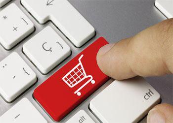 Интернет-магазины часто заменяют сейчас реальные обычные торговые центры