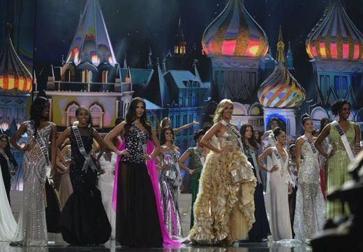 Фото с полуфинала конкурса «Мисс Вселенная»