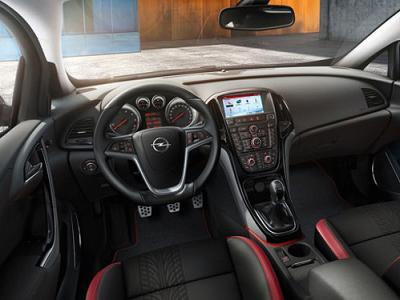 Салон Opel Astra 2014