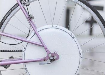 Умное колесо превратит обычный велосипед в электрический