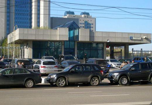 Центральная проходная здания «Газпрома» в Москве