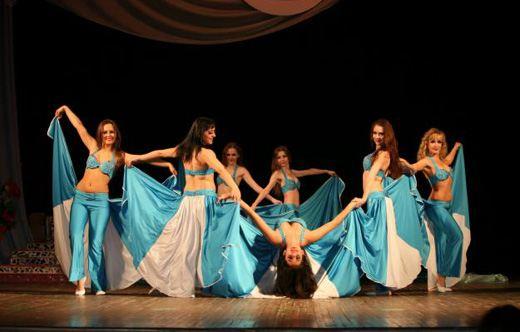 Восточные танцы очень популярны среди девушек