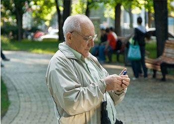 В Австралии изобрели телефон для ухода за стариками и детьми