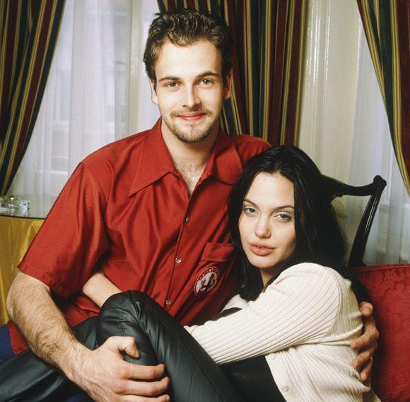 Анджелина Джоли с первый мужем Джонни Ли Миллером