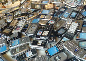 С 1 декабря 2013 года вступил в силу федеральный закон об отмене так называемого «мобильного рабства»