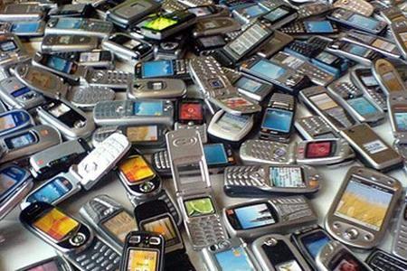 Объемы продаж мобильных растут, как и количество их поломок
