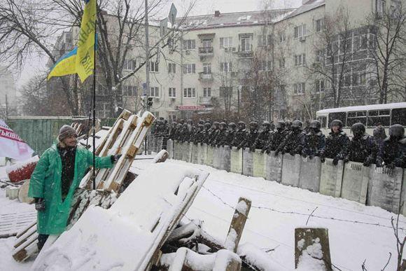 Украинские оппозиционеры заявляют, что силовики начали зачистки