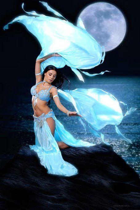 Восточные танцы помогают женщине обрести уверенность в себе