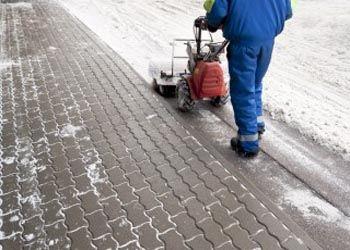 В Новосибирске для уборки песка станут использовать новейшее вакуумное оборудование