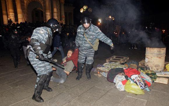 За разгон активистов в Киеве уволили четверых украинских чиновников
