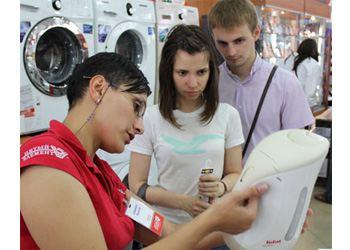 В Украине в супермаркетах несколько увеличились продажи кухонных плит, пылесосов