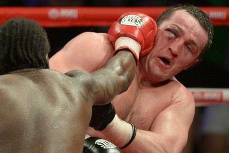 Боксер Денис Лебедев многократно получал травмы и гематомы на ринге
