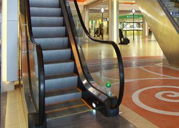 Компания «Интеграл плюс» предлагает большой выбор  лифтов и эскалаторов