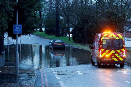 Из-за шторма во Франции оказался затоплен город