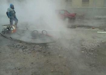 В Санкт-Петербурге на Васильевском проспекте 28 декабря произошел порыв трубопровода