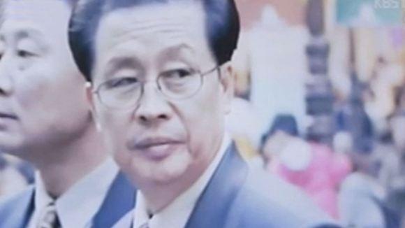 Дядю Ким Чен Ына скормили собакам